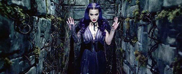 """katy perry bruja satanica - Katy Perry es acusada de ser una """"bruja satánica"""" y de preparar un """"ritual Illuminati"""" durante la Super Bowl"""