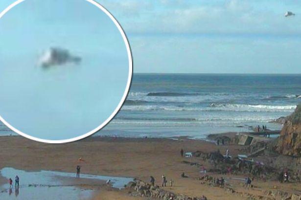 misterioso ovni reino unido - Misterioso OVNI sobre una playa del Reino Unido desconcierta a los expertos