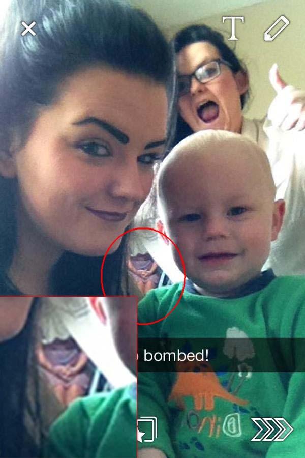 figura fantasmal selfie joven - Figura fantasmal aparece en el selfie de una joven irlandesa