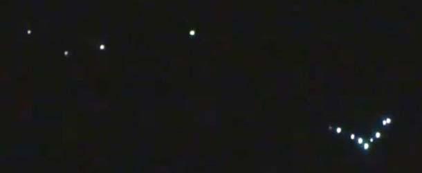 Aparece una formación de extrañas luces sobre la ciudad rusa de Kolomna