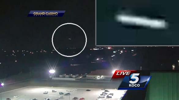ovni noticias oklahoma city - Un OVNI aparece en directo en las noticias de Oklahoma City