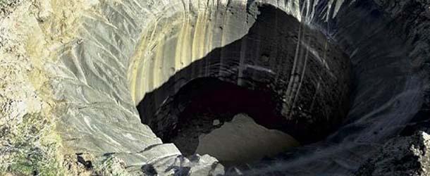 objeto metalico crateres siberia - Desaparece un equipo de investigación al descubrir un objeto metálico en el interior de uno de los cráteres de Siberia