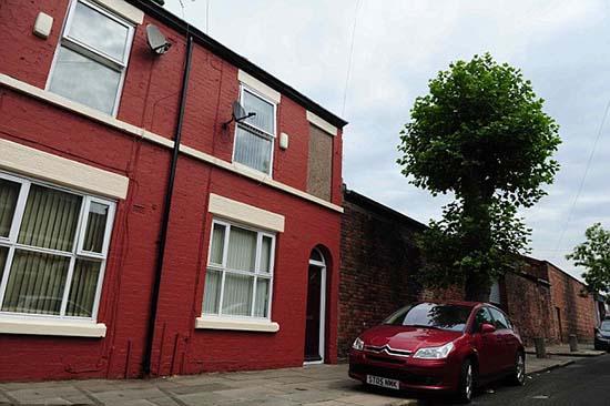 Familia huye casa Liverpool aparición fantasmal