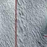 Descubren en Google Earth un gran OVNI que se estrelló en la Antártida