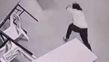 malasia aterrador ataque fantasmal 384x220 - Cámaras de seguridad de un hotel en Malasia captan un aterrador ataque fantasmal