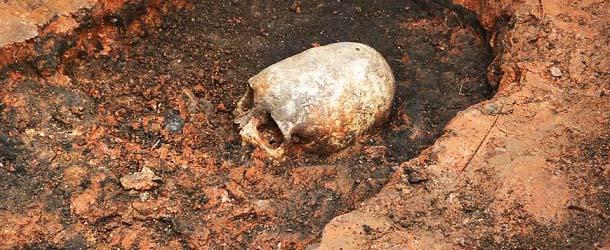 Descubren el esqueleto de un ser extraterrestre en el Stonehenge de Rusia