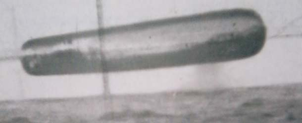 ovnis submarino - Filtran fotografías de enormes ovnis tomadas desde un submarino estadounidense en el Ártico
