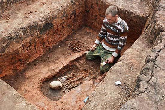 ser extraterrestre stonehenge de rusia - Descubren el esqueleto de un ser extraterrestre en el Stonehenge de Rusia
