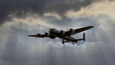 bombardero fantasma 384x220 - Múltiples testigos ven un bombardero fantasma de la Segunda Guerra Mundial sobre un condado de Inglaterra