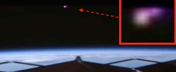Las cámaras de la Estación Espacial Internacional graban un misterioso OVNI de color rosa
