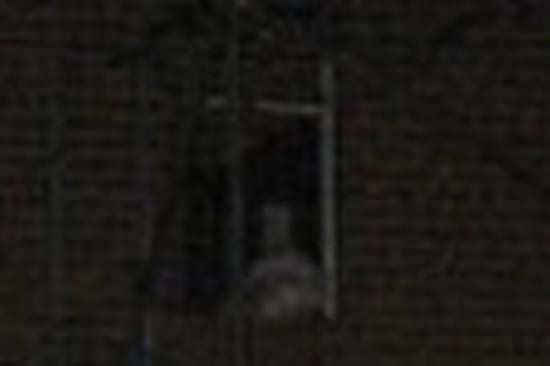 mujer fantasma bebe inglaterra - Fotografía muestra una mujer fantasma con su bebé en una antigua casa de Inglaterra
