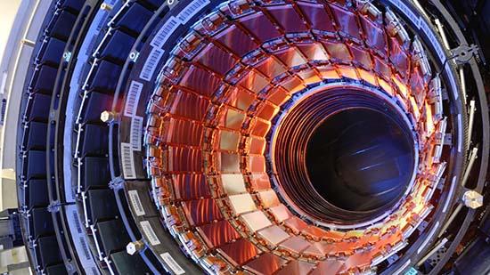 experimento gran colisionador hadrones - Experimento del Gran Colisionador de Hadrones en septiembre podría atraer un enorme asteroide hacia la Tierra