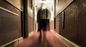 La estrella de la selección galesa de rugby ve el fantasma de Enrique VIII en la habitación de un hotel