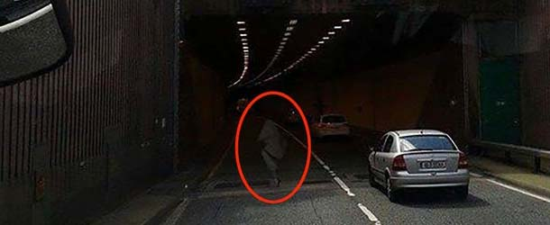 figura fantasmal irlanda - Camionero fotografía una figura fantasmal atravesando un túnel en Irlanda