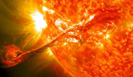 Apocalíptica llamarada solar edad piedra