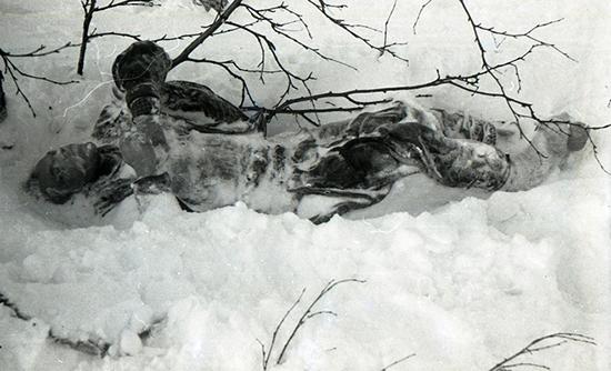 cadaver en el paso diatlov - Un grupo de excursionistas desaparece misteriosamente después de encontrar un cadáver en el Paso Diatlov