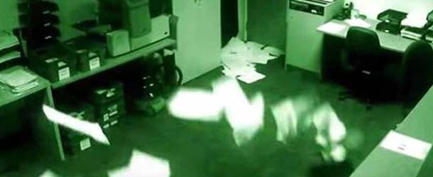 poltergeist manchester - Continúa sin explicación el video que muestra actividad poltergeist en unas oficinas de Manchester