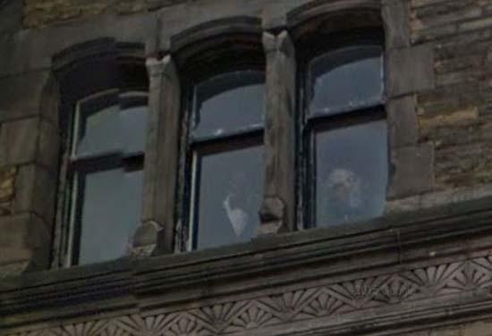 Rostros fantasmales ventanas hotel Liverpool
