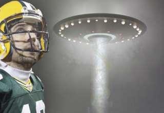 aaron rodgers ovni 320x220 - La superestrella de la NFL Aaron Rodgers revela haber tenido un encuentro con un OVNI