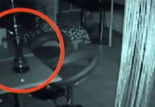 actividad poltergeist moscu 320x220 - Cámaras de seguridad graban actividad poltergeist en un bar de Moscú