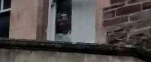 aterrador rostro gales - Aterrador rostro aparece en una fotografía de un manicomio abandonado de Gales