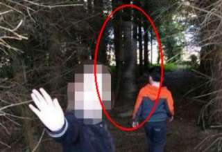fantasma soldado britanico 320x220 - Fotografía revela el fantasma de un soldado británico en un bosque de Irlanda