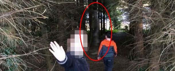 fantasma soldado britanico - Fotografía revela el fantasma de un soldado británico en un bosque de Irlanda