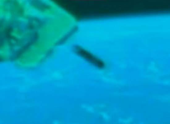 ovni misil estacion espacial - La NASA graba un OVNI o un misil cerca de la Estación Espacial Internacional