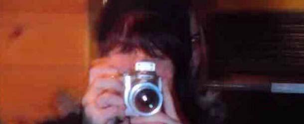 rostro demoniaco mujer - Fotografía muestra un rostro demoníaco detrás de una mujer