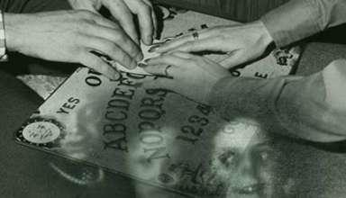posesiones demoniacas ouija 384x220 - Posesiones demoníacas a través de la Ouija