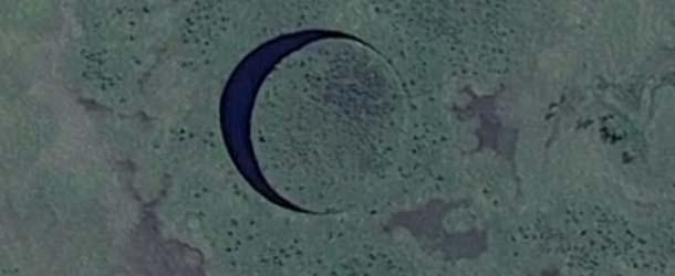 base extraterrestre subterranea argentina - Director de cine descubre una base extraterrestre subterránea en Argentina a través de Google Earth