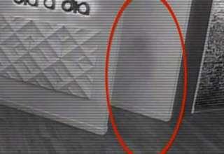 fantasma nina estudios television colombiano 320x220 - Cámara de seguridad graba el fantasma de una niña en los estudios de un canal de televisión colombiano