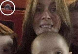 fantasma selfie familiar 320x220 - Aparece el fantasma de una niña en un selfie familiar