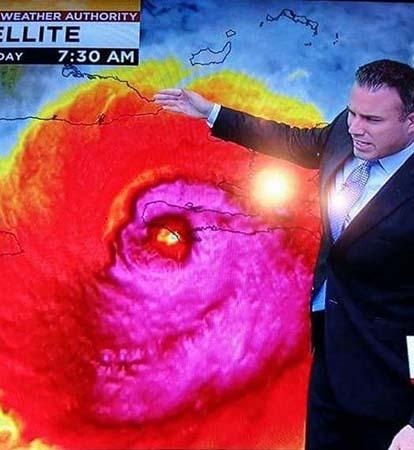 huracan matthew rostro - Imagen de satélite del huracán Matthew muestra un rostro demoníaco
