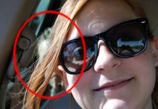 nino fantasma sentado parte trasera coche 320x220 - Una madre descubre en el selfie de su hija un niño fantasma sentado en la parte trasera de su coche