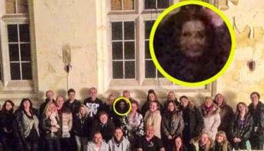 rostro fantasmal hospital abandonado 384x220 - Fotografían un aterrador rostro fantasmal en un hospital abandonado de Inglaterra