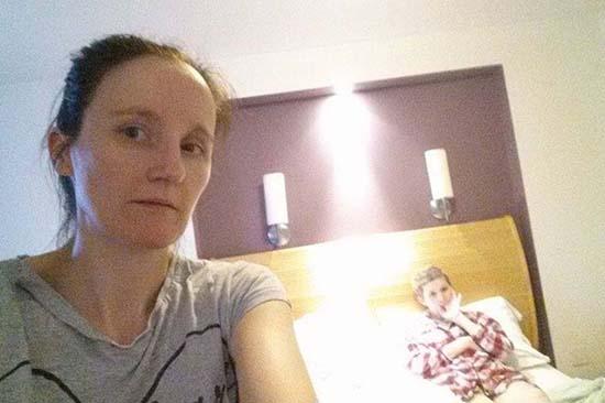 selfie angel hija - Se toma un selfie y aparece el ángel de su hija semanas antes de morir de cáncer