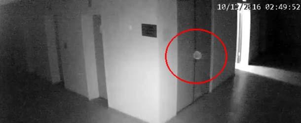 orbe fantasmal campo concentracion - Cámaras de seguridad captan un orbe fantasmal flotando en antiguo campo de concentración soviético