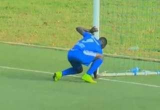 ruanda brujeria 320x220 - Ruanda prohíbe la brujería en el fútbol por un extraño ritual de un jugador en una portería