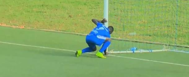 ruanda brujeria - Ruanda prohíbe la brujería en el fútbol por un extraño ritual de un jugador en una portería