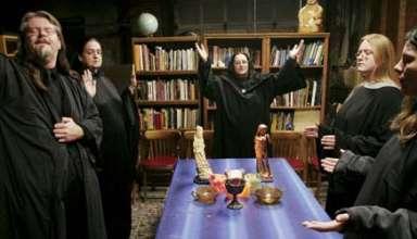 magia negra trump 384x220 - Brujas de todo el mundo realizan un ritual de Magia Negra en masa contra el presidente Trump