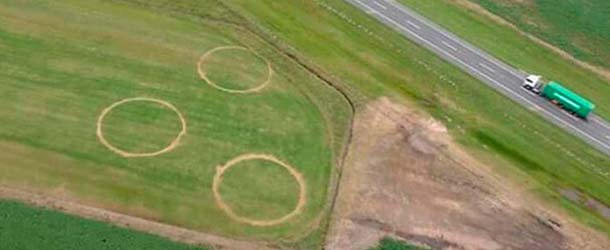 extranos circulos argentina - Científicos desconcertados por la aparición de extraños círculos en un campo de Argentina