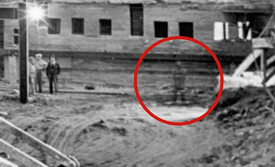 fantasma de abraham lincoln - Descubren en una antigua fotografía de la Casa Blanca el fantasma de Abraham Lincoln