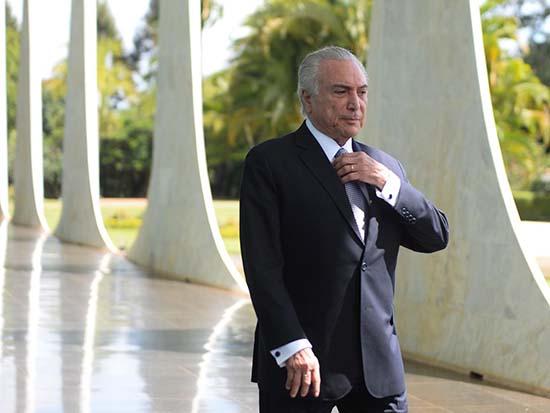presidente brasil miedo fantasmas - El presidente de Brasil huye del palacio presidencial por miedo a los fantasmas