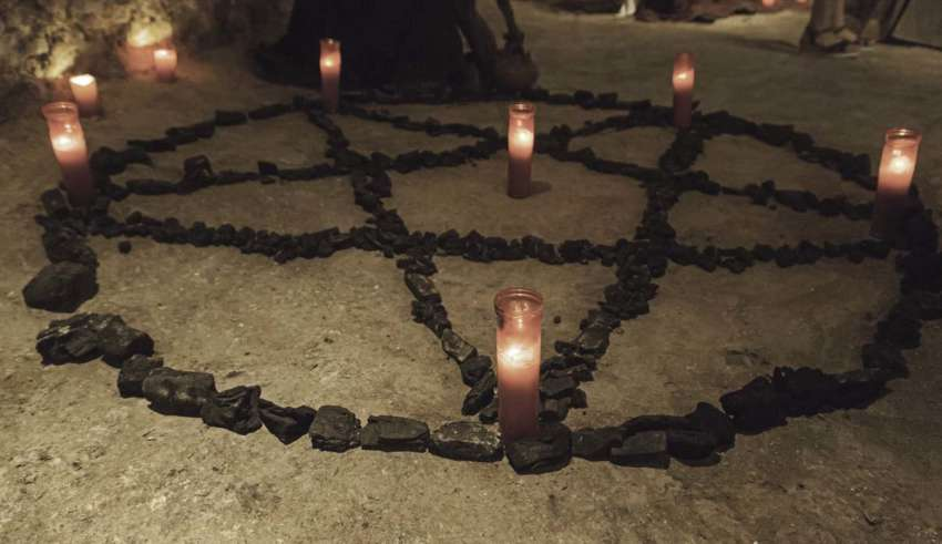 rituales satanicos entregando alma diablo 850x491 - Rituales satánicos, entregando el alma al diablo