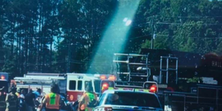 misterioso haz de luz accidente - Aparece un misterioso haz de luz desde el cielo sobre un accidente de coche mortal