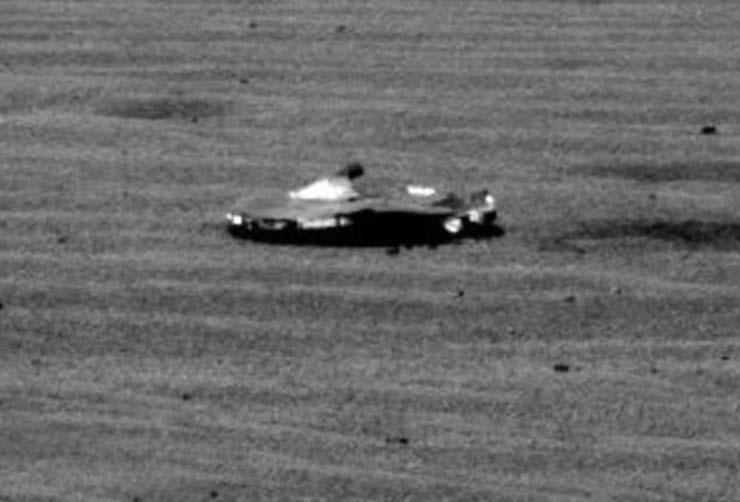 nasa nave extraterrestre marte - Rover de la NASA descubre una nave extraterrestre en Marte
