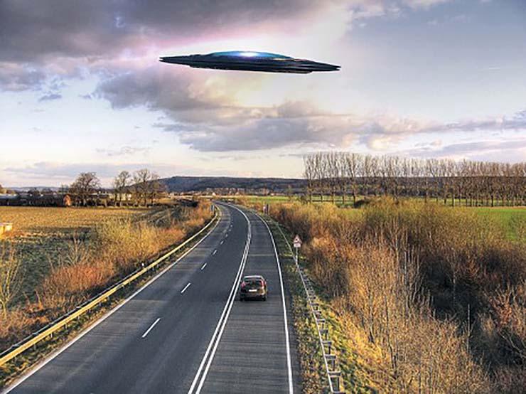 guillermo del toro fantasmas - Guillermo del Toro reconoce haber tenido encuentros con OVNIs y fantasmas