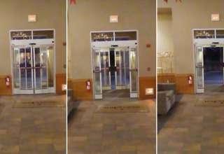 puertas hotel 320x220 - Escalofriante vídeo muestra el momento en que las puertas de un hotel se abren y cierran por sí solas