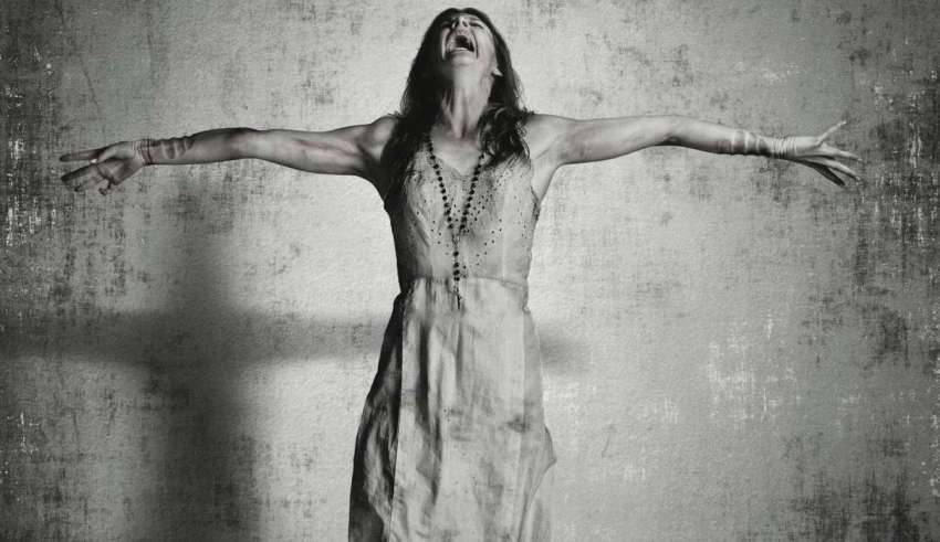 exorcistas actividad demoniaca 850x491 - Sacerdote irlandés solicita mas exorcistas a la Iglesia Católica debido al aumento de la actividaddemoníaca